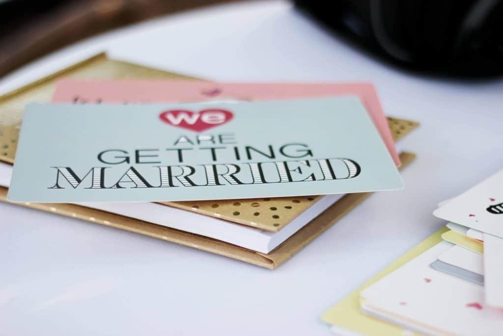 Hochzeitssprüche für Einladungen