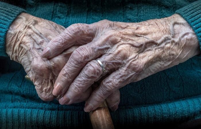 Trauersprüche & Abschiedsworte für Oma